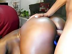 AFRICAN COUPLE SHOWS HOW TO MAKE LOVE!!
