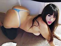 Latina beauty shakin her booty in spandex after working out at the gym